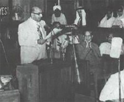 Liaquat Ali Khan Presenting objective Resolution To The Assembly