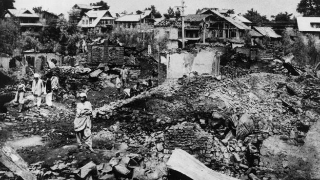 In October 1947, an armed rebellion by groups of Muslims and the Muslim Conference against the Maharaja erupted in the Poonch area of Kashmir. The rebels appealed to the government of Pakistan to intervene.