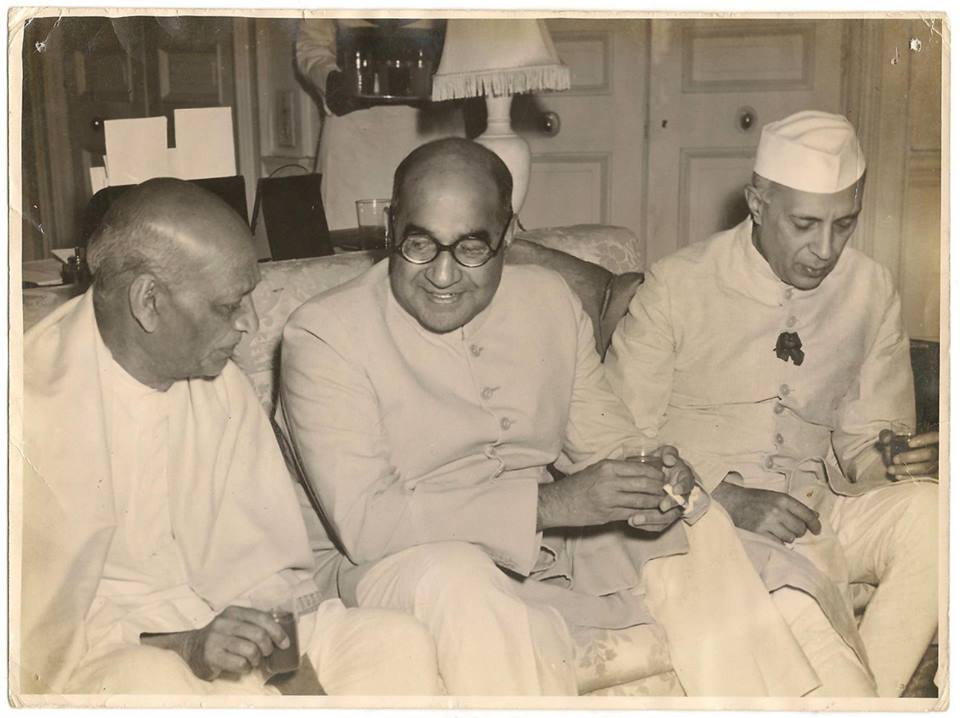 Pakistan's PM Liaquat Ali Khan (middle) with Indian PM Jawaharlal Nehru. In January 1949, Pakistan and India agreed to a ceasefire in Kashmir. According to an agreement, the Kashmir Valley, most of Jammu and Ladakh would be administrated by India; whereas Pakistan would control Kashmir's western districts (Azad Kashmir) Gilgit and Baltistan.