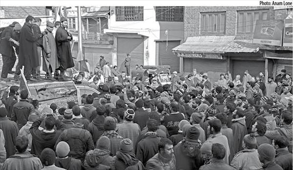 In 1990 JKLF led massive protest rallies in the valley. This provoked violent reprisals from Indian police and military.