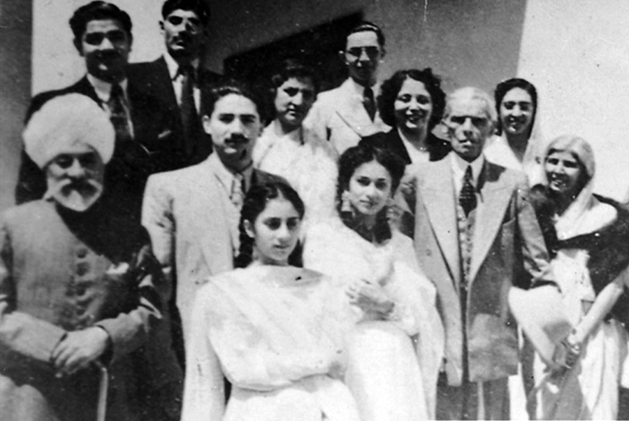 Jinnah (third from right) in Kashmir in 1944. He had gone there to forge AIML's ties with the Muslim Conference.