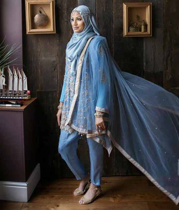 Ever since the 1980s, Pakistanis have further appropriated it with fashions adopted from Arab cultures.