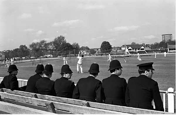 British policemen accompanied Pakistani players during the country's 1971 tour of England. Bengali nationalists settled in England had threatened to disrupt the matches.