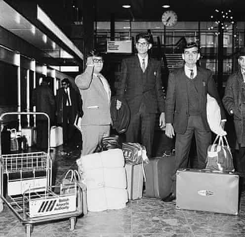 Migrants from Pakistan arrive in the UK in the 1960s.